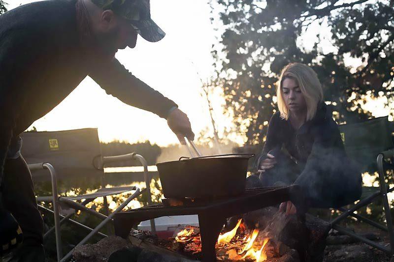"Litoželezna posoda Camp Chef Dutch oven 14"""