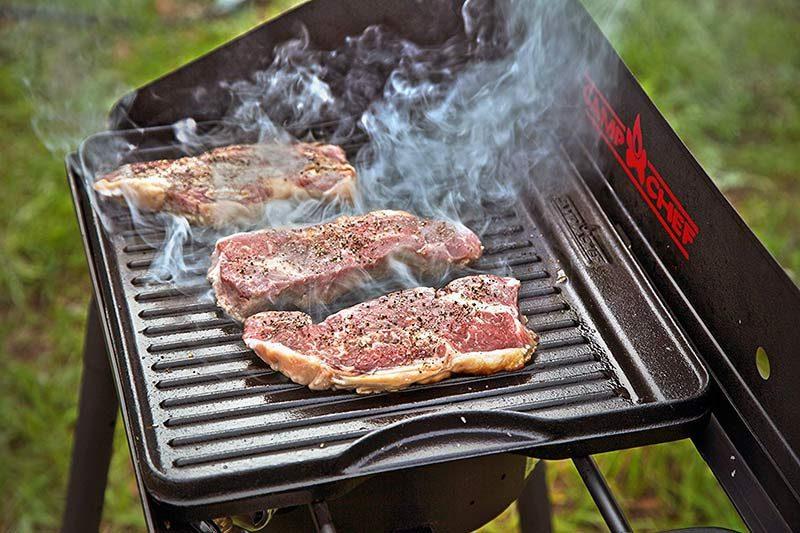 "Obojestranska litoželezna plošča Camp Chef 16"""